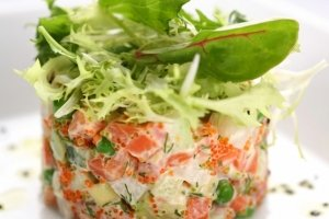 "Salad with red caviar and salmon ""Refinement"""